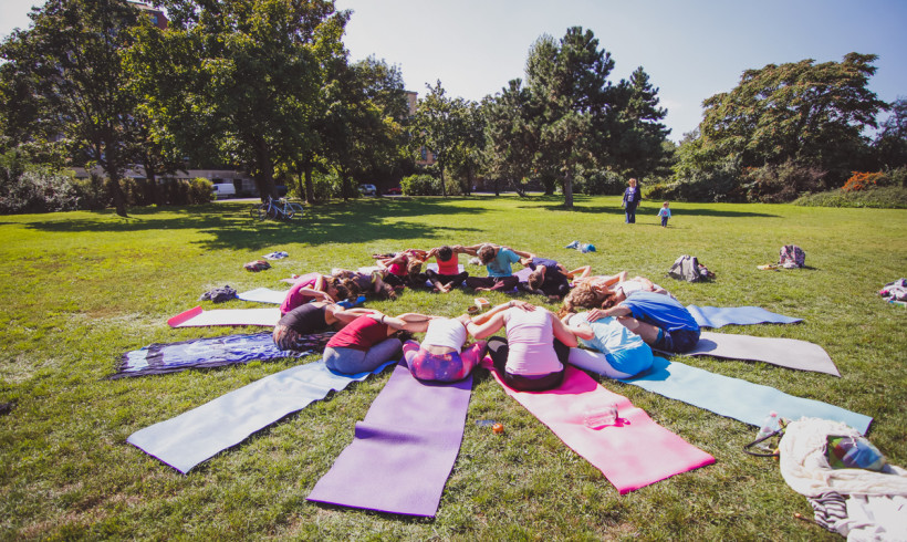 This is how we yoga for refugees