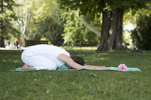5 grounding yoga poses for calmness and presence